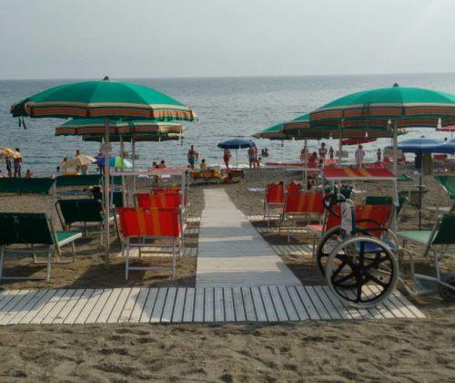 Spiaggia Noihandiamo al Mare Bar Hotel 4Venti – Renà